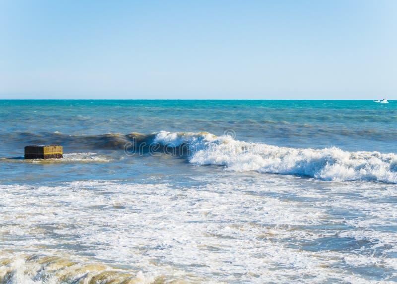 De mooie mening van de Zwarte Zee van de horizon in zonnig warm weer de Zwarte Zee stock foto