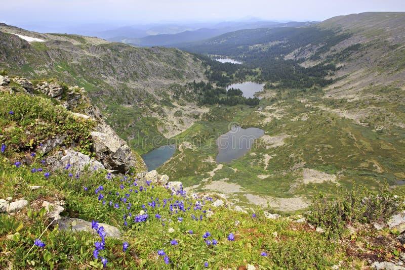 De mooie meren van meningskarakol vanaf de bovenkant van rand stock afbeelding
