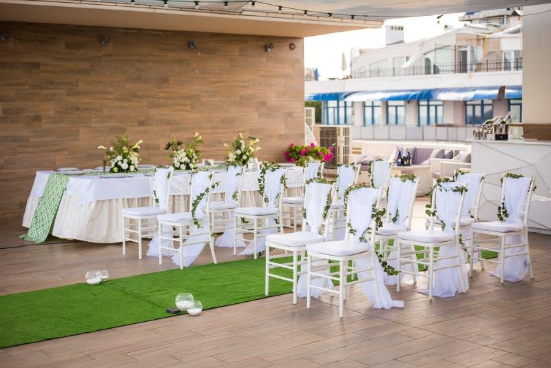 De mooie Romantische Decoratie van de Huwelijksceremonie Gehele achtergrond royalty-vrije stock foto