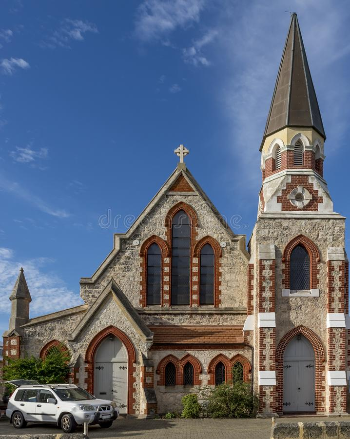 De mooie Scots Presbyteriaanse Kerk, Fremantle, Westelijk Australië tegen een dramatische hemel royalty-vrije stock foto's