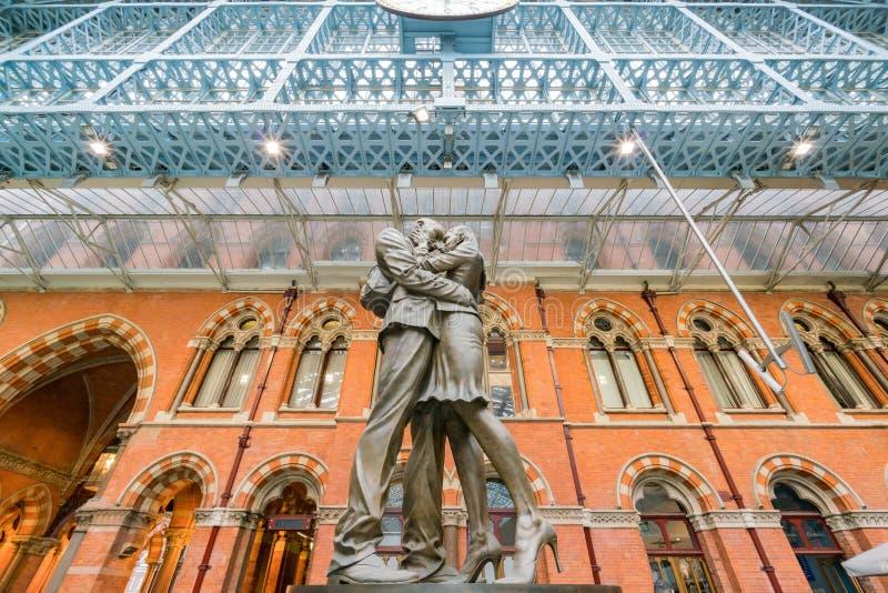 De mooie St Pancras Internationale post royalty-vrije stock afbeeldingen