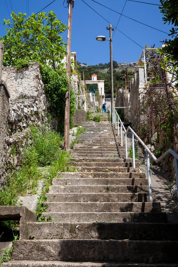De mooie steepy stegen van Dubrovnik-stad royalty-vrije stock foto