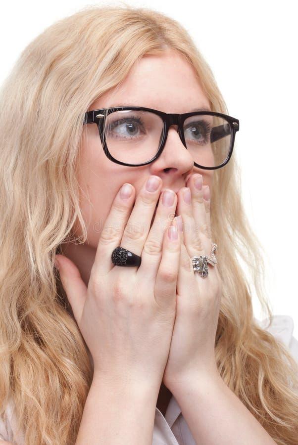 De mooie vrouw met overhandigt mond royalty-vrije stock fotografie