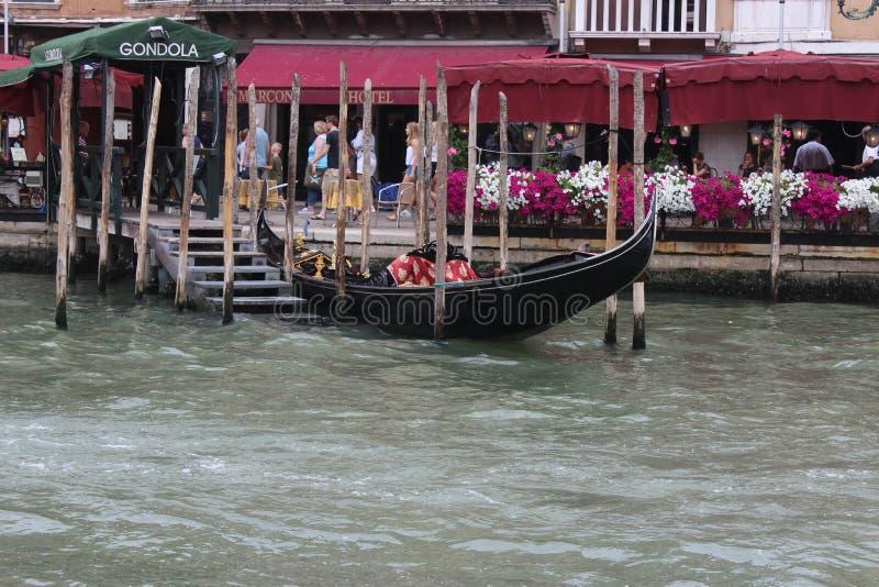 De mooie zomer in Venetië Italië met Gondel royalty-vrije stock afbeelding
