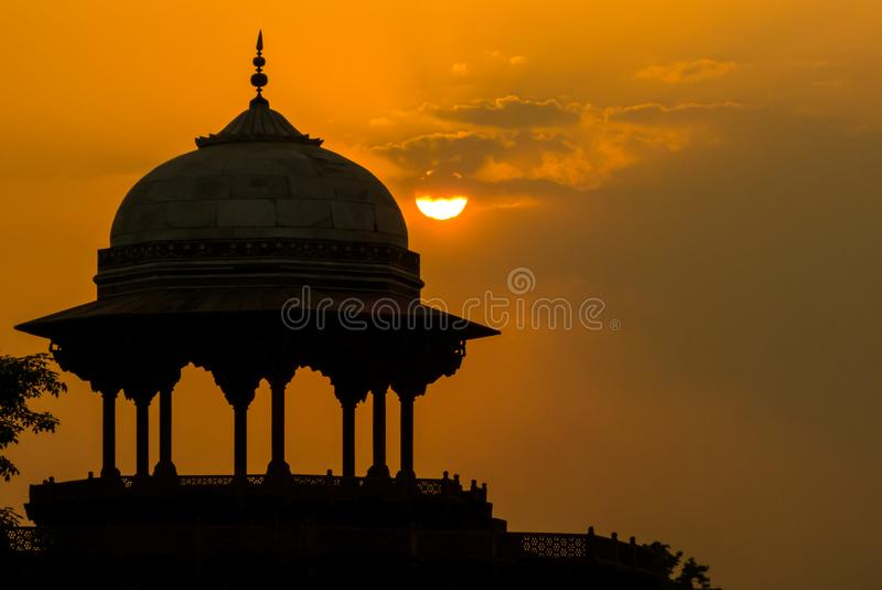 De moskee Kau Ban dichtbij Taj Mahal royalty-vrije stock foto's