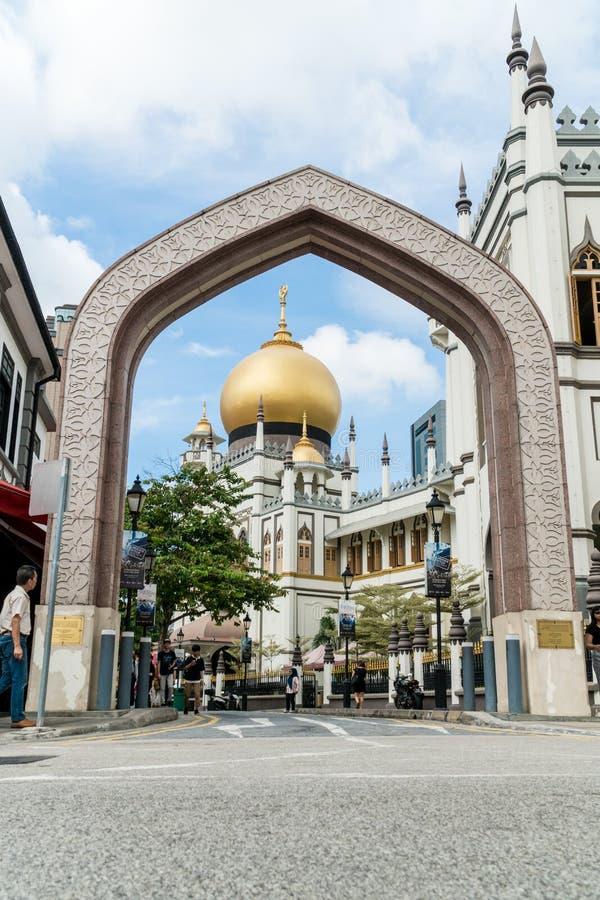 De moskee van de Masjidsultan op de weg van de het Noordenbrug in het district van Kampong Glam, Singapore stock fotografie