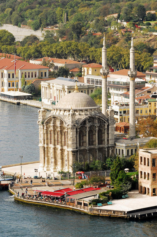De Moskee van Ortakoy - Bosporus - Istanboel stock afbeelding