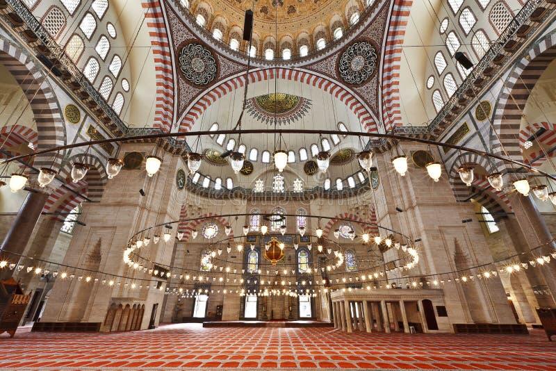De Moskee van Suleymaniye in Istanboel Turkije - binnenland stock afbeelding