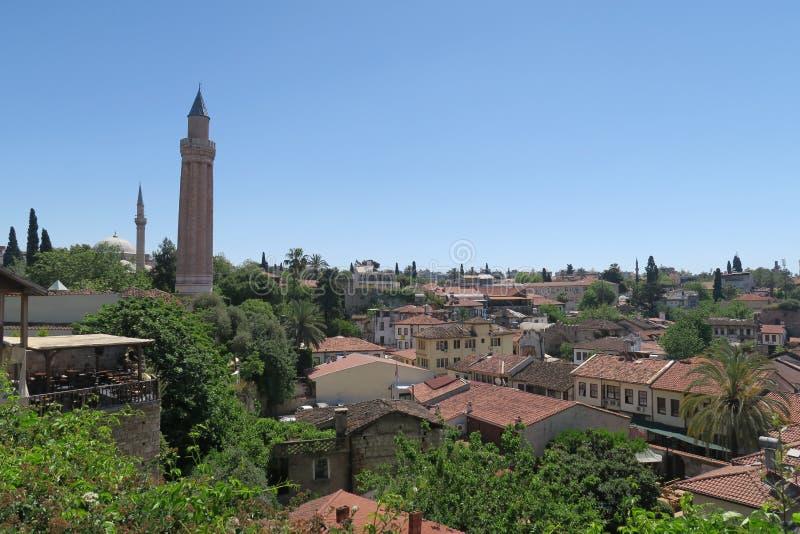 De Moskee van Yivliminare is een Oriëntatiepunt in Antalyas Oldtown Kaleici, Turkije royalty-vrije stock afbeeldingen