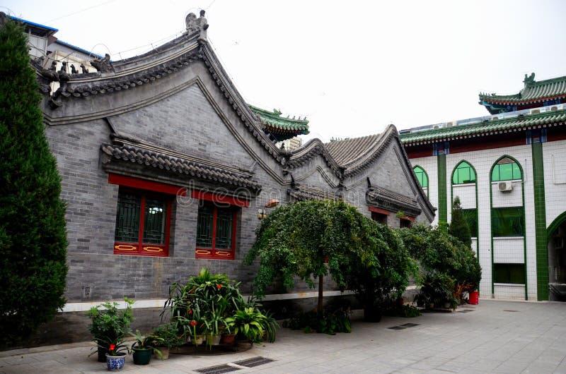 De moskeebouw in traditionele Chinese architectuurstijl Peking China stock afbeeldingen