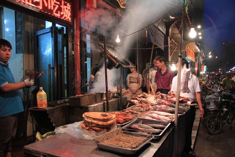 De moslim Straat van het voedsel (Huimin Jie), Xi'an, China stock foto