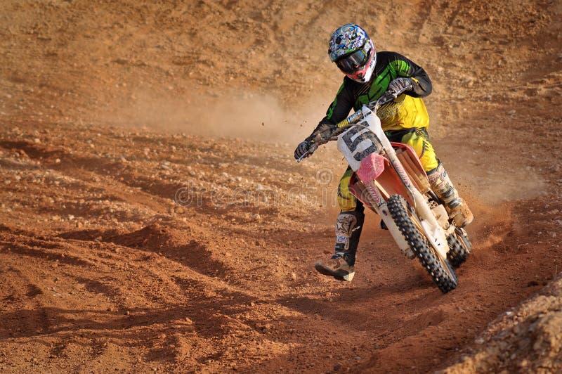 De motocross neemt een hoek royalty-vrije stock afbeelding