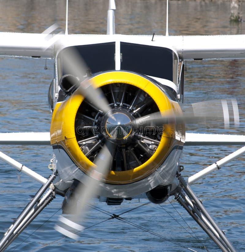 De motor en de propeller van het watervliegtuig stock afbeeldingen