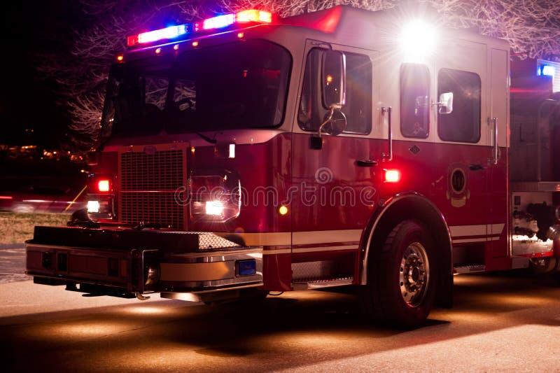 De Motor van de brand bij Night-time Noodsituatie royalty-vrije stock foto