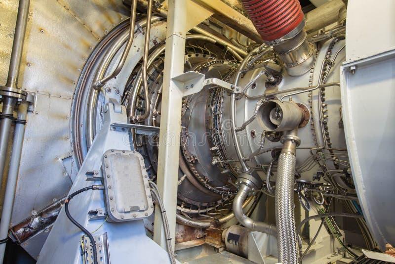 De motor van de gasturbine van de compressor van het voergas binnen bijlage royalty-vrije stock afbeelding