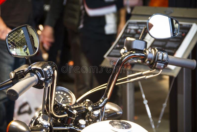 De motorfietsen Expo in Milaan EICMA tonen Harley Davidson-stuur stock afbeelding