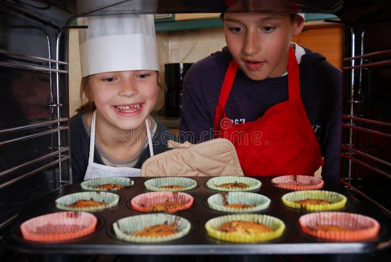 De muffins van het baksel royalty-vrije stock fotografie