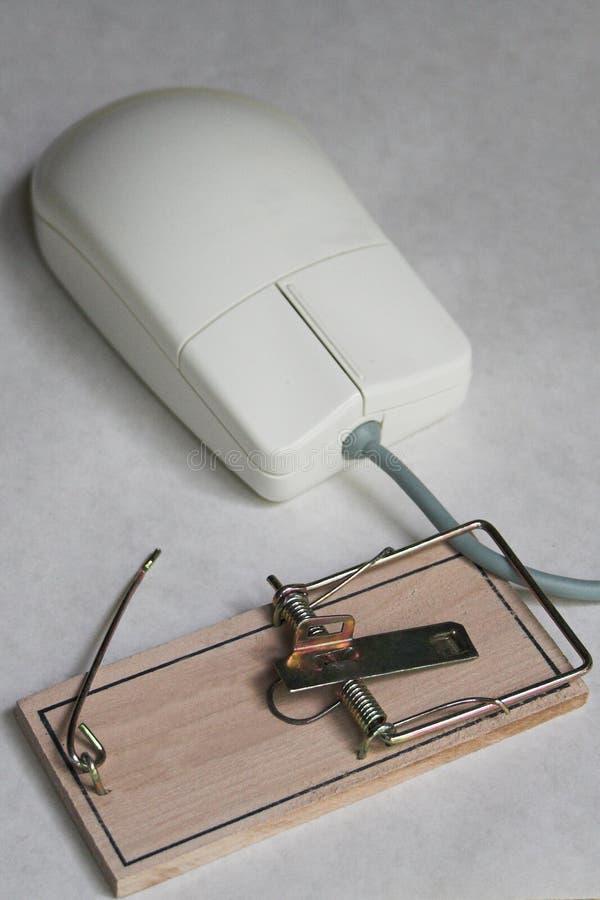 De muis van de computer met een muisval royalty-vrije stock fotografie