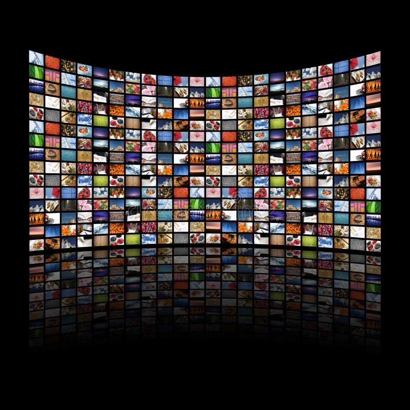 De multi media schermen die beelden/informatie tonen royalty-vrije illustratie