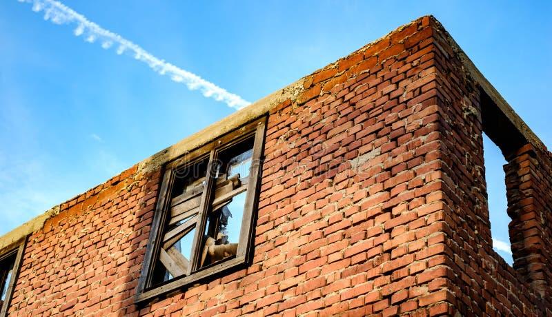 De muren van een verlaten huis royalty-vrije stock fotografie
