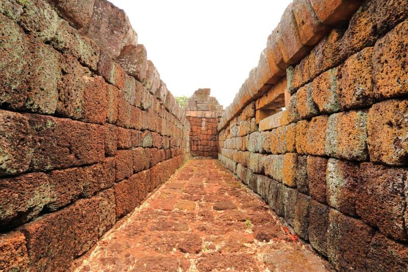 De Muur van de Sportkasteel van Prasat Hin Phanom stock fotografie