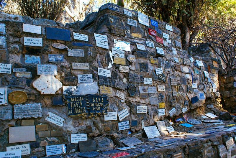 De muur van La Gruta in Alta Gracia stock foto