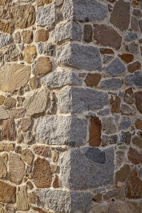 De muurhoek van het steenhuis bij het Eiland van Tenedos Bozcaada door het Egeïsche Overzees royalty-vrije stock afbeelding
