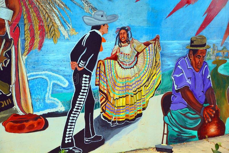 De muurschildering vertelt het verhaal van de mensen van Mexicanen Amerikanen stock foto