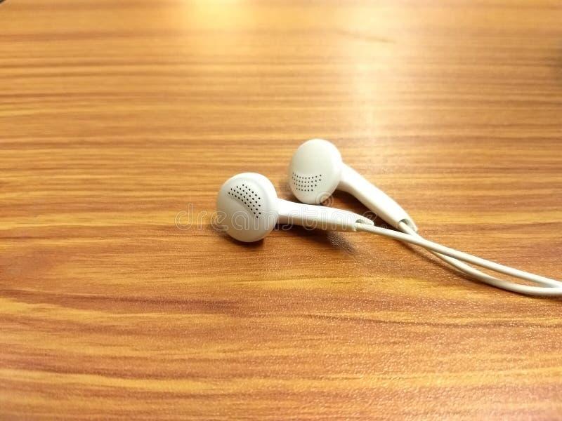 De muziek is iets dat als een hulp van spanningen handelt stock foto