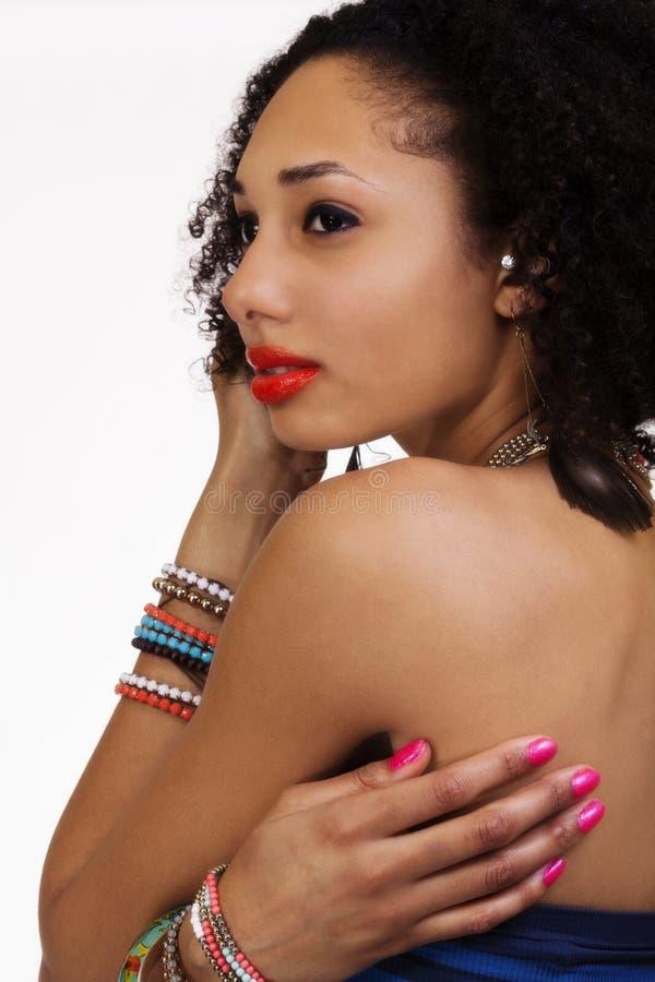 De naakte Aantrekkelijke Afrikaanse Amerikaanse Vrouw van het Schouderportret stock foto