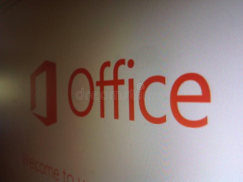 De Naam en het Embleem van Microsoft Office op het Computerscherm stock afbeelding