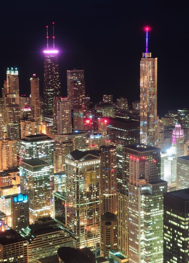 De nacht luchtmening van Chicago stock afbeelding