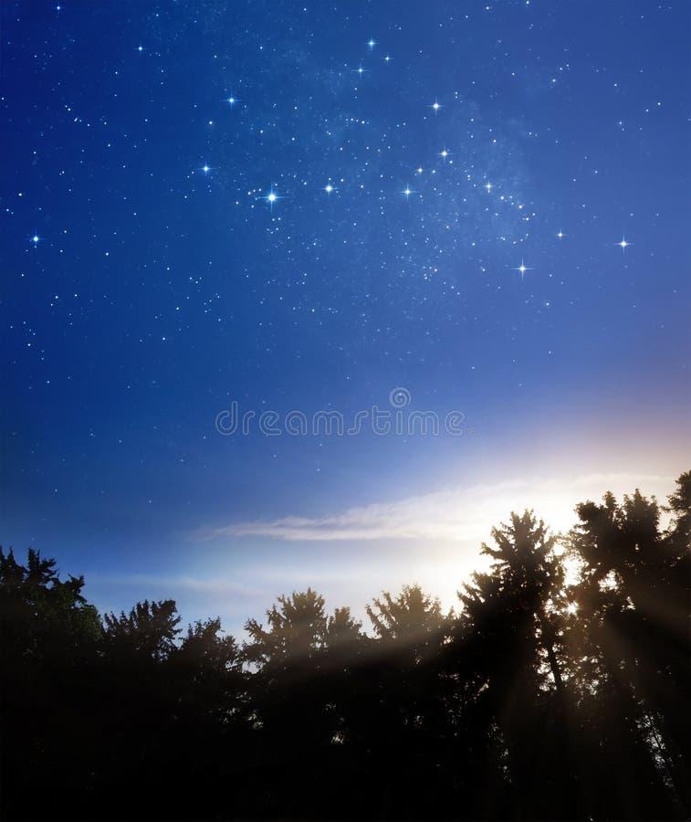De nacht ontmoet dag royalty-vrije stock afbeelding