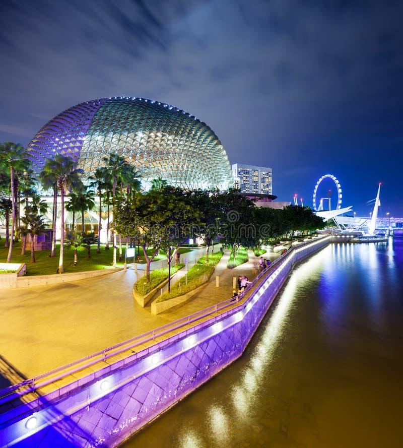 De nacht van Singapore stock foto's
