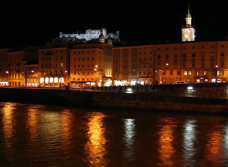 De nachten van Salzburg - Oostenrijk stock afbeelding
