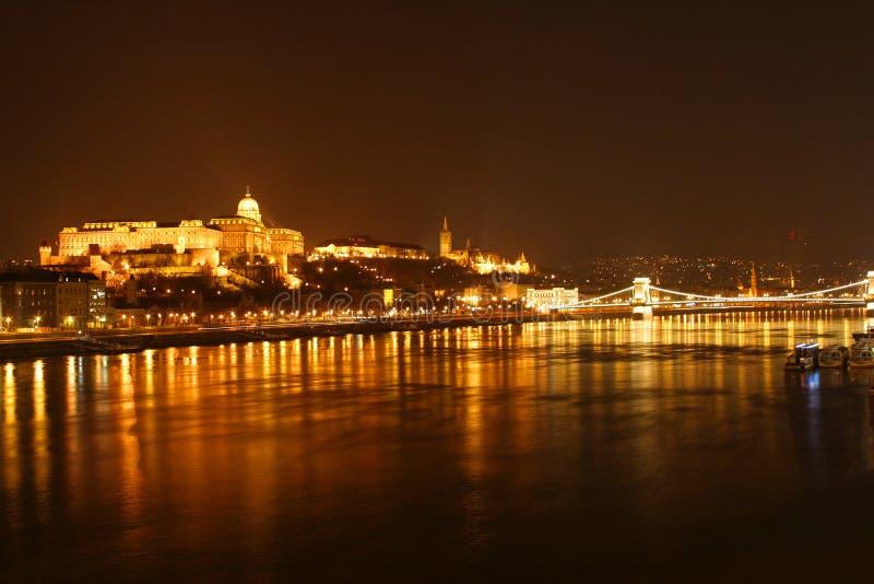 De nachtmening van Boedapest royalty-vrije stock foto