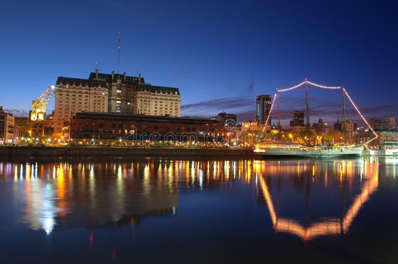 De nachtmening van Buenos aires. (HDR) royalty-vrije stock foto