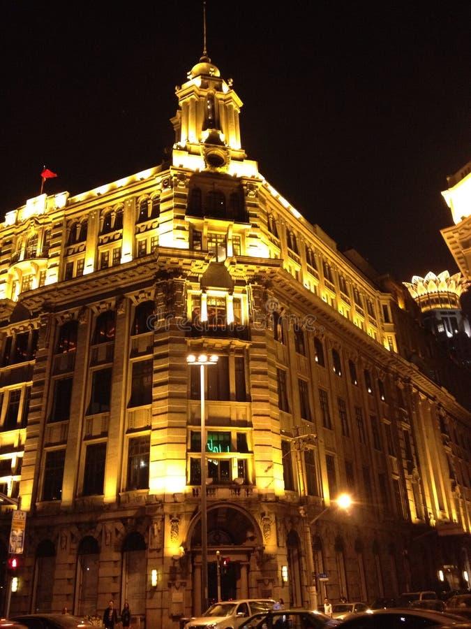 De nachtneon van Shanghai stock foto's