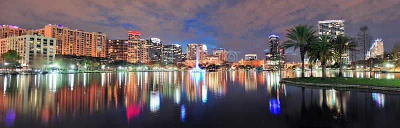 De nachtpanorama van Orlando stock foto