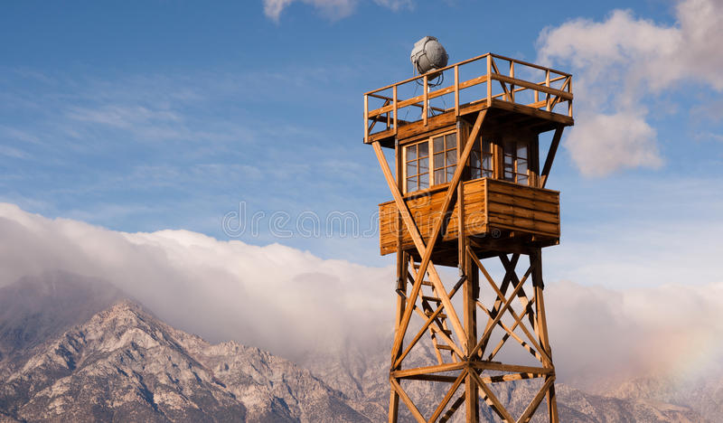 De Nationale Historische Plaats Californië van wachttower searchlight manzanar stock afbeeldingen