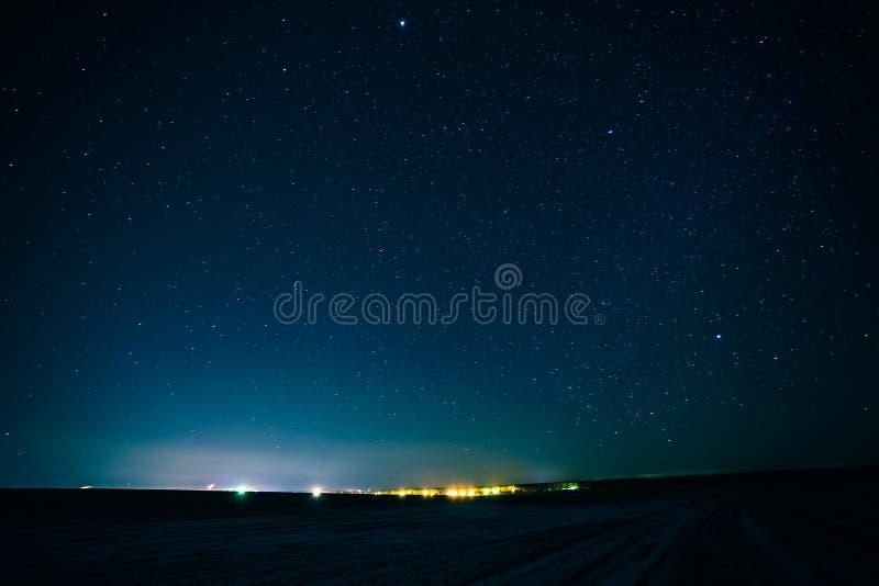 De natuurlijke Echte Nachthemel speelt Achtergrondtextuur mee royalty-vrije stock afbeeldingen