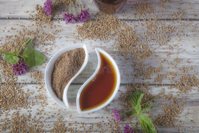 De natuurlijke honing en chia schrobben stock afbeeldingen