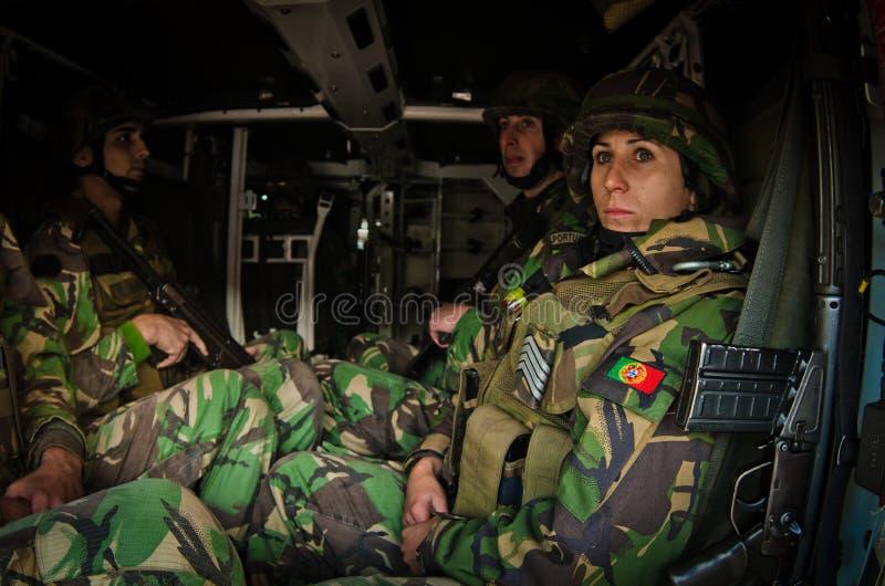 De NAVO troepen klaar voor internationale plaatsing royalty-vrije stock afbeelding