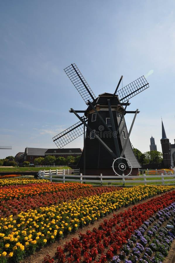 De Nederlandse stijlwind maalt huis royalty-vrije stock fotografie