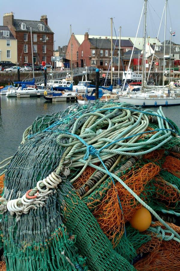 De Netten van de visserij & Arbroath Haven, Schotland stock foto's