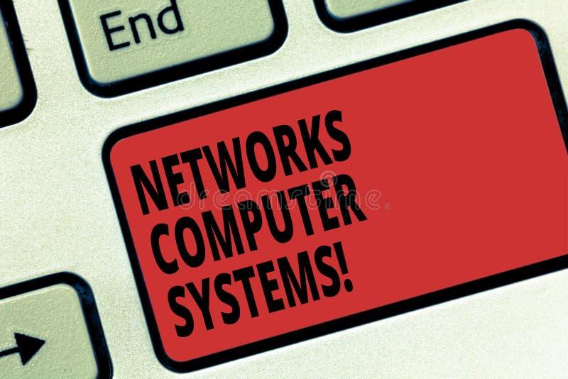 De NetwerkenComputersystemen van de handschrifttekst Concept die Apparatenverbinding betekenen samen om communicatie Toetsenbord  vector illustratie
