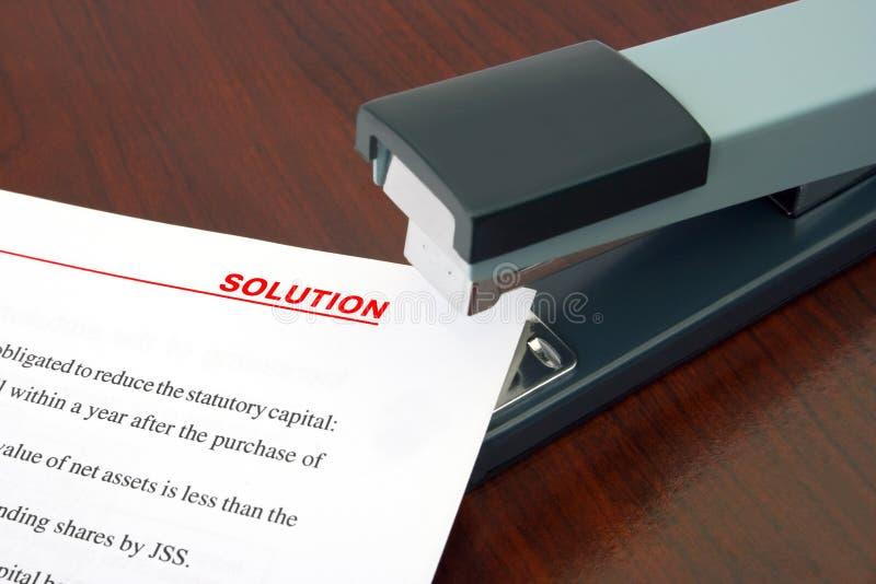 Van het bureaunietmachine en document Oplossing stock afbeelding