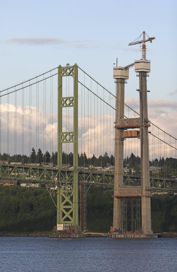De nieuwe brugbouw royalty-vrije stock afbeeldingen