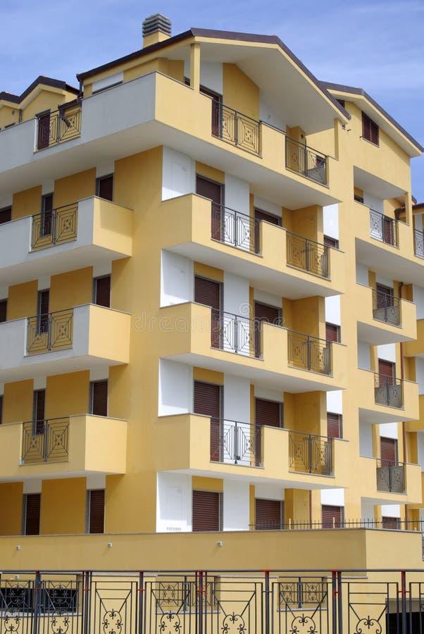 De nieuwe moderne flatbouw royalty-vrije stock foto's