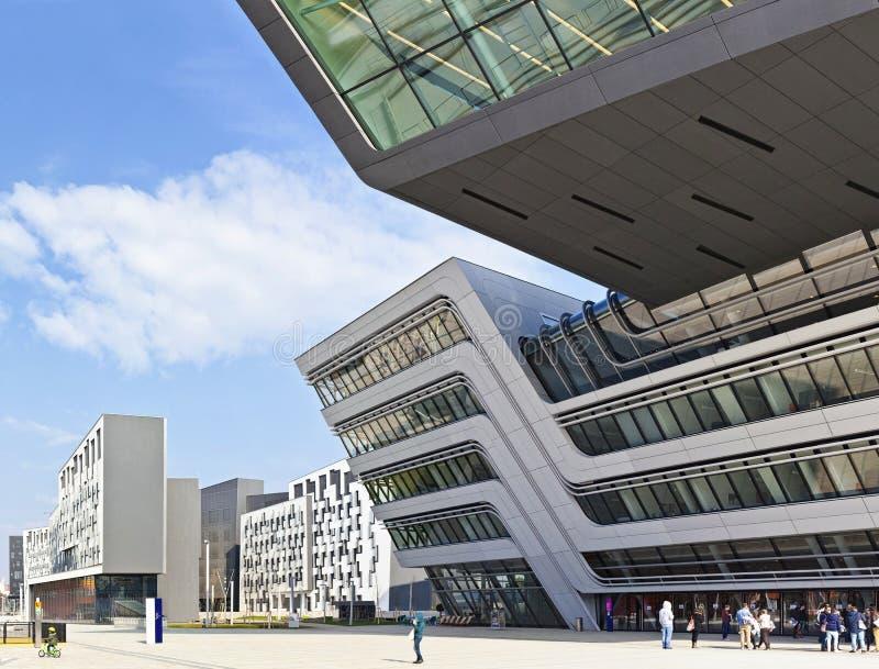 De nieuwe Universiteit van Economie van Wenen stock foto's
